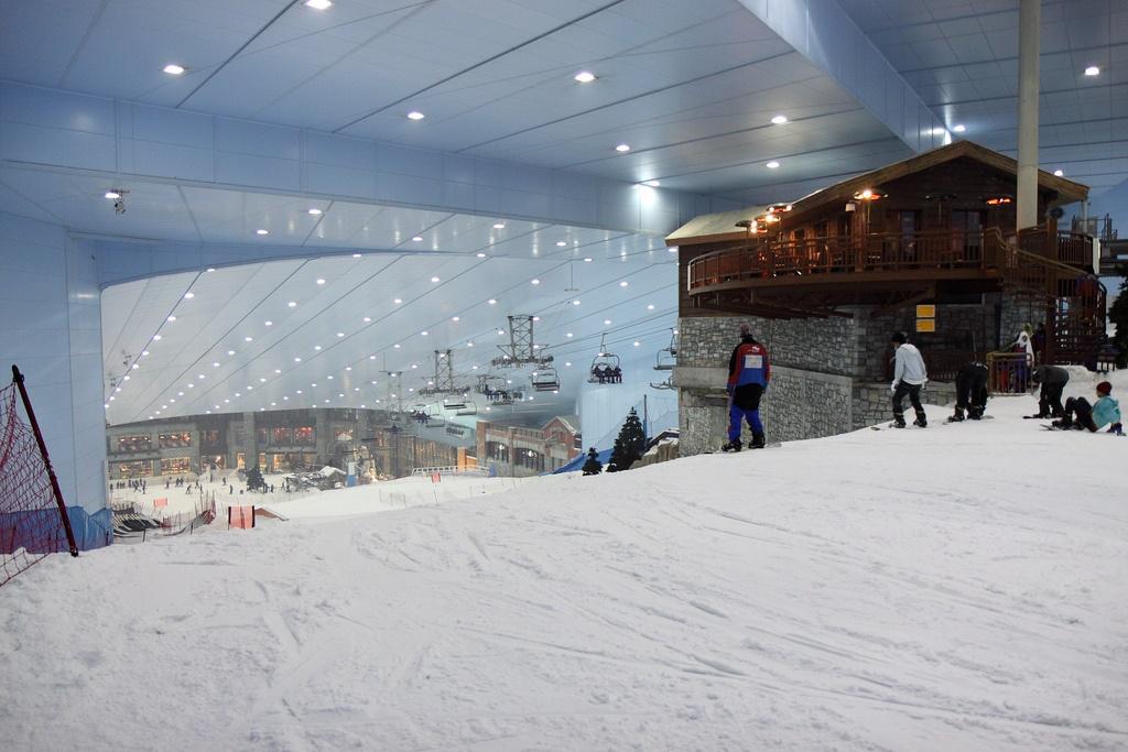 ski dubai la plus grande piste de ski indoor du monde